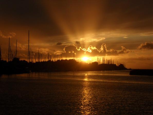 oostwad zonsondergan@Gouden Vloot zeilreizen